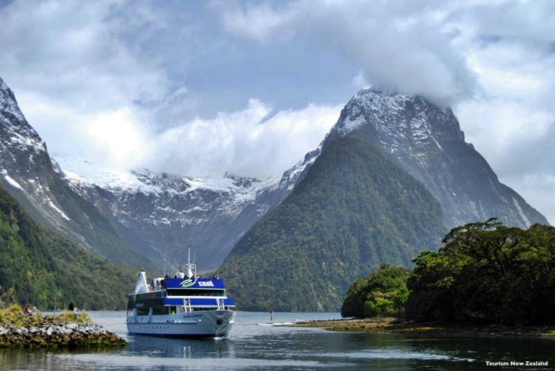 Milford Day Tour ex Te Anau, Photo Credit: Tourism New Zealand